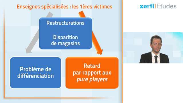 Alexandre-Boulegue-La-distribution-de-chaussures-3915