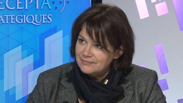 Emmanuelle-Hoss-Les-connected-stores-le-commerce-de-proximite-au-defi-du-numerique-3725