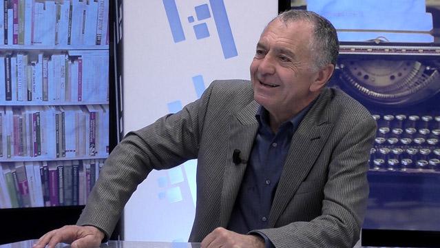 Gilles-Lipovetsky-Gilles-Lipovetsky-De-la-societe-de-consommation-au-capitalisme-de-la-seduction-7640.jpg