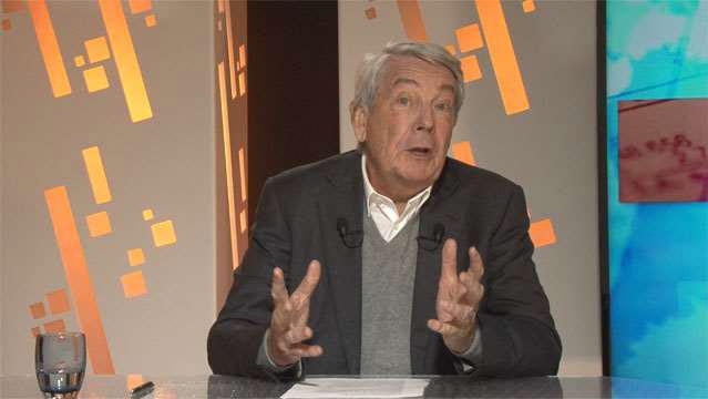 Jean-Michel-Quatrepoint-Hollande-et-Gattaz-dans-l-equation-insoluble-2111