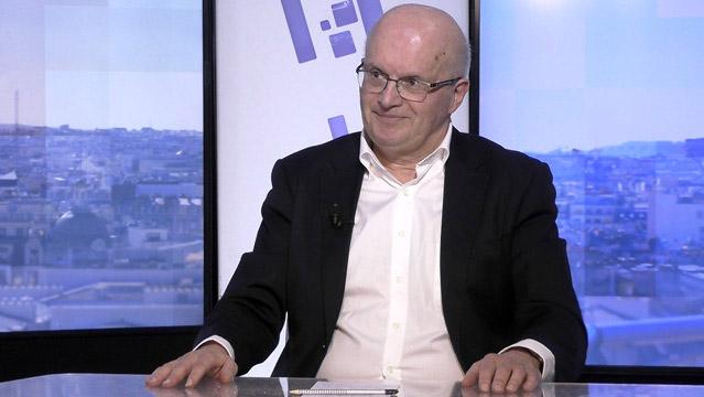 Jean-Paul-Betbeze-Jean-Paul-Betbeze-Le-jeu-dangereux-du-match-euro-dollar-6821.jpg
